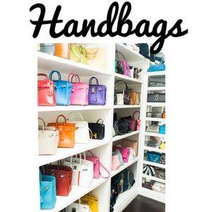 Handbags 👜. Send me a offer!!